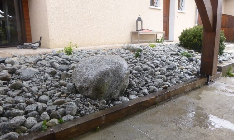 Pose de grosses pierres Annecy