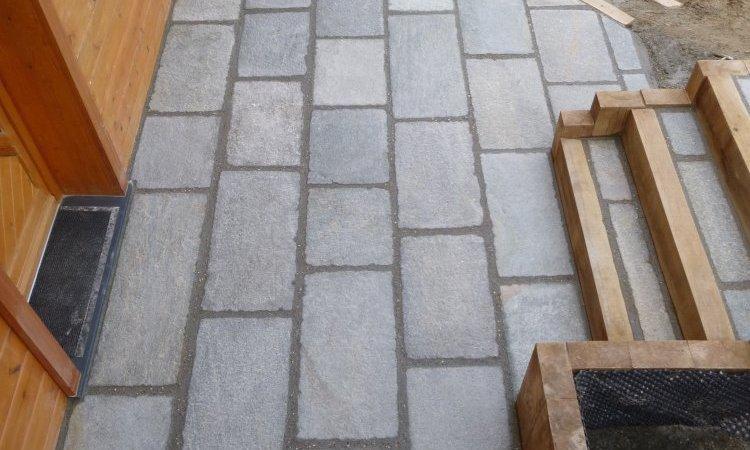 terrasse en pierre de luzerne format rectangle à villaz