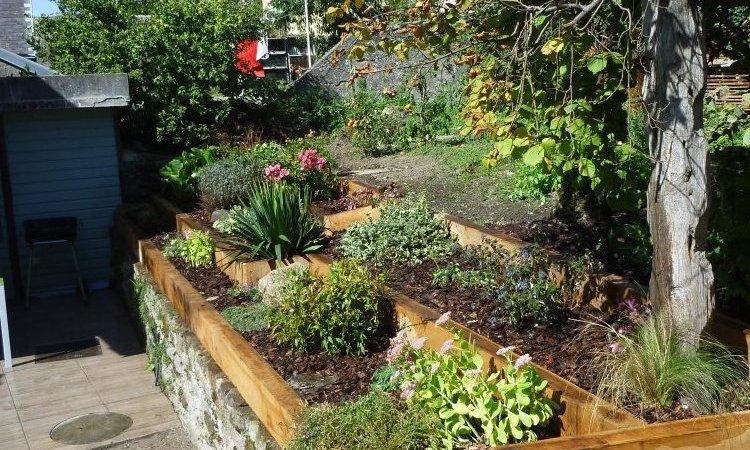 jardinière en poutres chêne à thusy